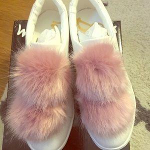 NIB Sam Edelman Leya Faux Fur Pom Pom Sneaker